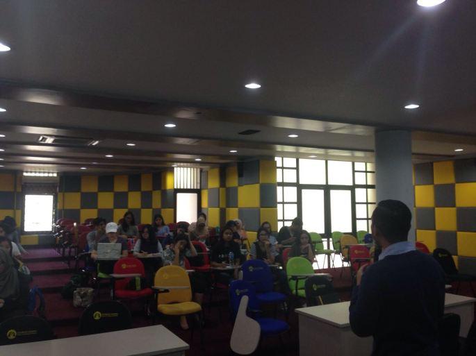 Saat sharing di kampus FEUI Depok